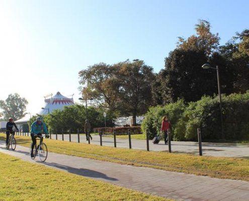 Recorrido con nuestro guía en bici por el antiguo cauce del río Turia reconvertido en jardines y en el pulmón verde de Valencia