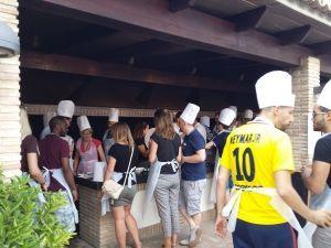 Paella cooking, taller y concurso de paellas en la Albufera de Valencia, competición gastronomía, visita guiada Albufera paella valenciana