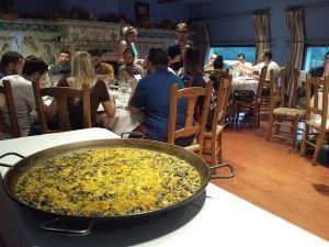 Paella cooking, taller de paella en la Albufera evento empresa Albufera teambuilding Valencia