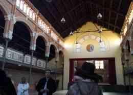 Visita a un almacén antiguo donde se comenzó a trabajar con el origen de la exportación de naranjas en esta ruta de la naranja y taller de Agua de Valencia, visita guiada diferente y experiencia única en Valencia